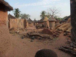 115_J4_village Sindou