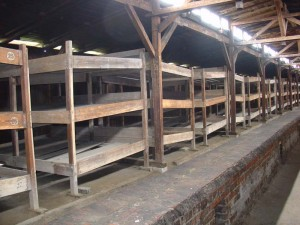 120405 Camp de Birkenau Châlits