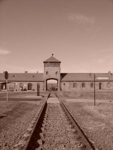 2_Porte d'entrée de Birkenau
